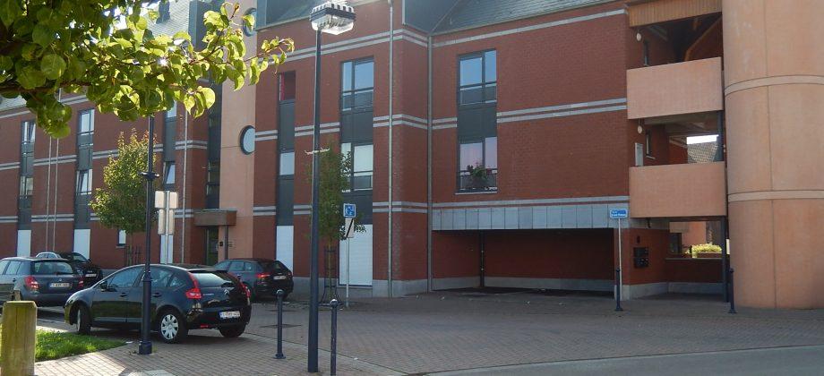 PONT-A-CELLES-Très bel appartement 1 ch.super-équipé