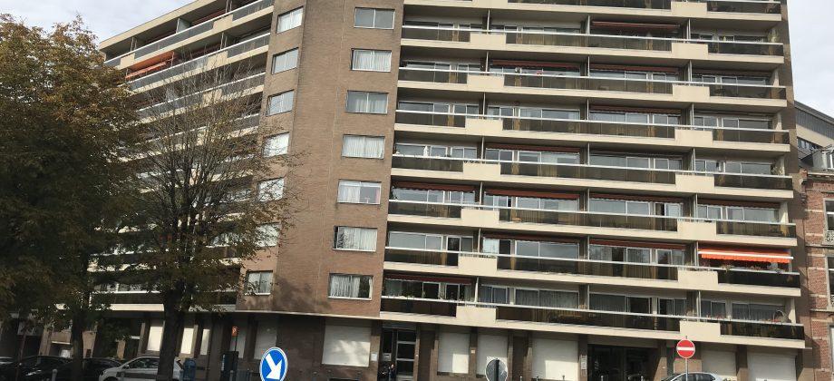 CHARLEROI-très bel appartement dans immeuble de standing