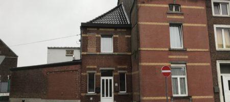 RANSART-Très bonne maison 3 façades au coeur de la commune.