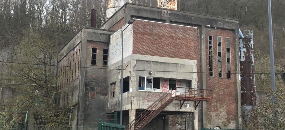 CHATELET-Important et intéressant immeuble industriel